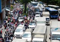Mở đường giải cứu Tân Sơn Nhất