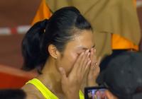 Lê Tú Chinh bật khóc sau vạch đích 100m nữ