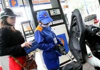 Giá xăng tăng 670 đồng/lít
