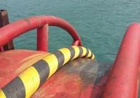 Cận cảnh kéo cáp ngầm xuyên biển đến đảo Cù Lao Chàm