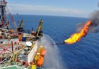 Giá dầu thô tiếp tục giảm, ảnh hưởng thu ngân sách