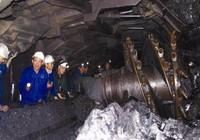 1 năm khó khăn, ngành than vẫn lãi 800 tỉ đồng