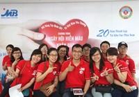 Cán bộ nhân viên MB tham gia hiến máu nhân đạo