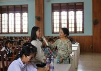 Quà từ thiện lạ lùng của Hội quán Các bà mẹ