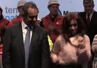 Nữ tổng thống Argentina nhảy 'cực sung' trên sân khấu