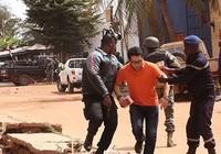 Quân đội Mali giải thoát con tin, tổng cộng 27 người chết