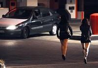 Gái mại dâm Hy Lạp chỉ kiếm được tiền mua chiếc bánh sandwich
