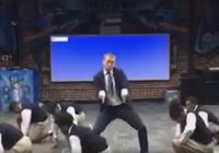 Clip thầy giáo nhảy rap vui nhộn cùng học sinh