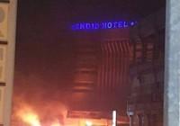 Al Qaeda khủng bố khách sạn Burkina, 20 người chết