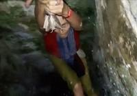Video cứu cô gái rớt xuống giếng do chụp ảnh tự sướng