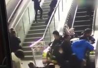 Trung Quốc: Thang cuốn đột ngột đảo chiều, 5 người bị thương