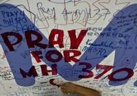 Bất ngờ tìm thấy cánh đuôi nghi của MH370