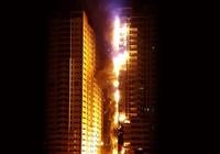 Cháy dữ dội tại khu chung cư cao tầng ở UAE