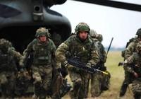 Anh tính triển khai 1.000 quân cùng xe tăng đến gần biên giới Nga