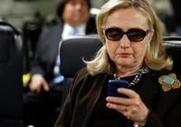 FBI: Bà Clinton dùng điện thoại riêng chỉ đạo không kích ở nước ngoài