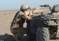 Siêu xạ thủ Anh bắn 'xuyên táo' 2 tên khủng bố IS