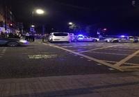 Đâm dao hàng loạt đẫm máu tại London, nghi khủng bố