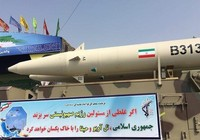 Iran khoe tên lửa có thể biến Israel thành 'cát bụi'