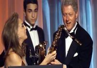 FBI bất ngờ 'khui' lại hồ sơ cũ của ông Bill Clinton