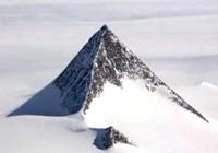 Bí ẩn kim tự tháp băng tuyết xuất hiện ở Nam Cực