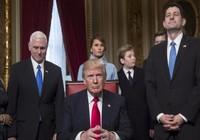 Trump ký sắc lệnh đầu tiên chống Obamacare