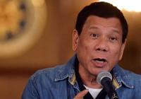 Duterte chỉ trích Mỹ lưu trũ vũ khí ở Philippines