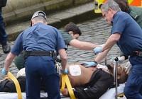 Ảnh: Hiện trường vụ tấn công khủng bố gần Quốc hội Anh