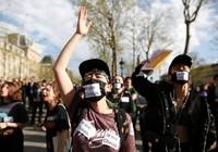 6.000 người Trung Quốc biểu tình ở Paris