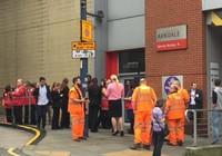 Trung tâm mua sắm ở Anh sơ tán vì tiếng nổ lớn