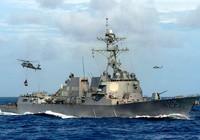 Tàu chiến Mỹ tiến sát đá Vành Khăn ở biển Đông
