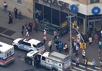 Tàu điện ngầm trật đường ray, 34 người bị thương