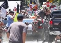 Bạo động ở Mỹ: Lao xe, rơi trực thăng, 3 người chết