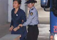 Bà Park Geun-hye: Sáu tháng tù 'kinh khủng và đau khổ'