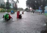 TP Bến Tre ngập nặng sau cơn mưa to