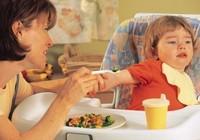 Trẻ biếng ăn: Chớ vội cho dùng thuốc