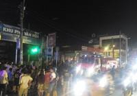 Cháy trung tâm bảo hành xe cạnh cây xăng, người dân hoảng loạn