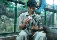 'Mẹ nuôi của khỉ' ở Thảo Cầm Viên Sài Gòn