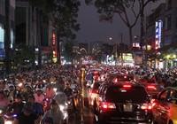 Tết Nguyên tiêu: Hỗn loạn xe cộ trên nhiều tuyến đường