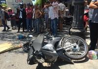 Dẫn xe máy đi bộ, người đàn ông bị xe bồn cán chết