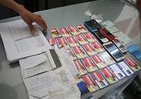 Làm thẻ ATM cho kẻ lừa đảo, người phụ nữ 3 con bị bắt