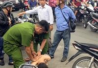 TP.HCM: Chạy vào đường kẹt xe, tên cướp hụt bị bắt tại trận