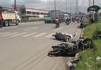 Ô tô húc nhiều xe máy trên xa lộ Hà Nội