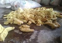 Phát hiện 12 tấn măng ngâm... thuốc nhuộm ở Hóc Môn