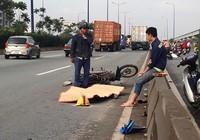 Chạy xe máy vào làn ô tô, 1 công nhân tử vong