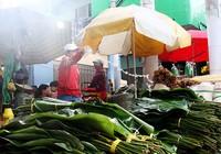 Chợ lá dong ngày Tết ven đường ở TP.HCM