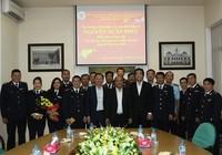 Thủ tướng thăm, kiểm tra ở hải quan Tân Sơn Nhất