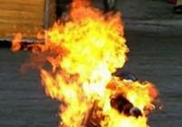 Hai người đàn ông bốc cháy như đuốc trên cầu Ông Hóa