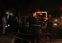 Cháy xưởng ở Sài Gòn, bảo vệ thoát chết trong gang tấc
