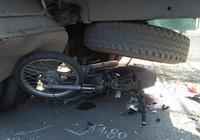 Tông đuôi xe tải đang dừng, nam thanh niên tử vong