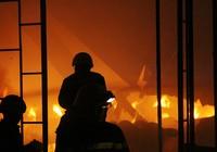 Nổ lớn kèm lửa dữ dội trong công ty ở quận 9